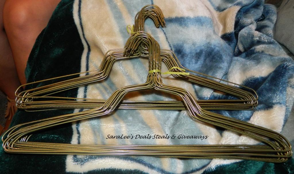 "BriaUSA 50 Standard Hangers 18"""